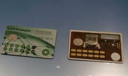 """意法半导体展示""""全法国""""智能卡,内置全固体电池"""
