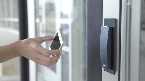 终端用户已经从机械向电子门禁设备或系统转移