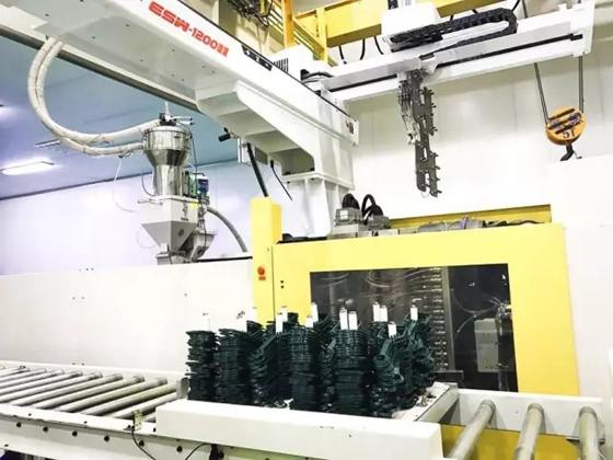 西山食品:国内首个食用油塑包产品智慧工厂顺利启用